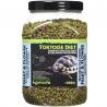 <b>Komodo Tortoise Diet Fruit Flower 680g - pokarm dla żółwi</b><br /><br /><p>Komodo Tortoise Diet to kompleksowa dieta, która została sformułowana, aby zapewnić pełną dietę dla popularnych europejskich gatunków żółwi domowych, takich jak: czerwonolicy, grecki, stepowy czy błotny.<br />Zawiera zrównoważoną zawartość witamin i minerałów, jego smak oraz zapach jest uwielbiany przez wszystkie żółwie, a postać granulek ułatwia podawanie, dzięki czemu karmienie jest niezwykle proste.</p>