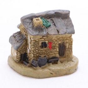<b>Ant Expert - Dom Gospodarza - mini dekoracja</b><br /><br /><p>Mikro dekoracja rzymski domekświetnie sprawdzi się w każdym formikarium, terrarium, akwarium czy w lesie w słoiku. Wykonana zceramikiodporna jest na wilgotność, działanie wody oraz wysoką temperaturę. Dekoracje Ant Expert są jednymi z najładniejszych na rynku. Precyzyjne malowanie odbywa się ręcznie.</p>