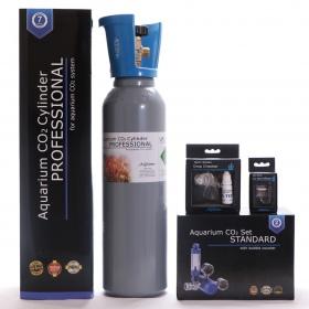 <b>Zestaw CO2 Aquario BLUE Standard (z butlą 5l)</b><br /><br /><p><span>Zestaw BLUE Standard to kompletny system CO2, który jest gotowy do użucia praktycznie zaraz po wyciągnięciu z pudełka. Sercem zestawu jest kompaktowy reduktor stworzony z myślą o akwarystyce, wyposażony w zintegrowany metalowy licznik bąbelków oraz zaworek precyzyjny.</span></p>